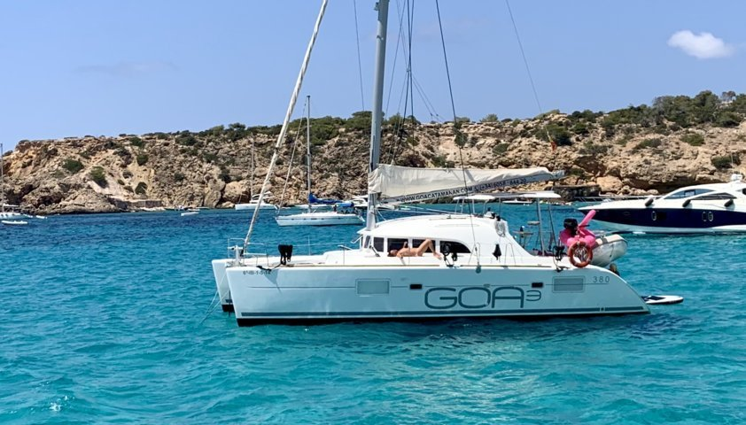Catamaran Lagoon 380 Goa 3 Ibiza