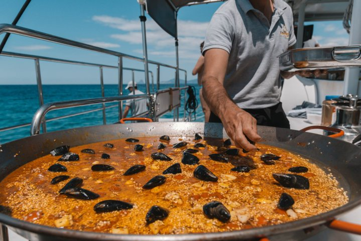 paella en yate ibiza